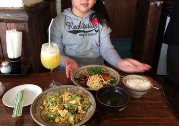 沖縄の昼ご飯.jpg